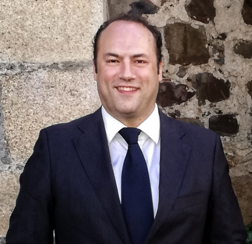 Víctor Mena